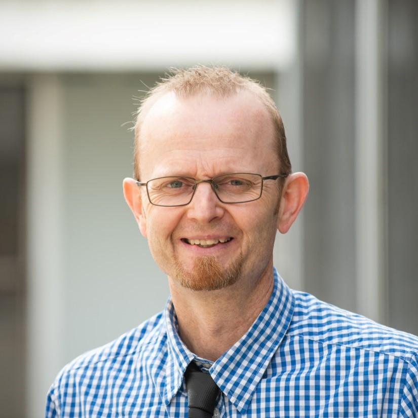 Dr Malcolm Elliott
