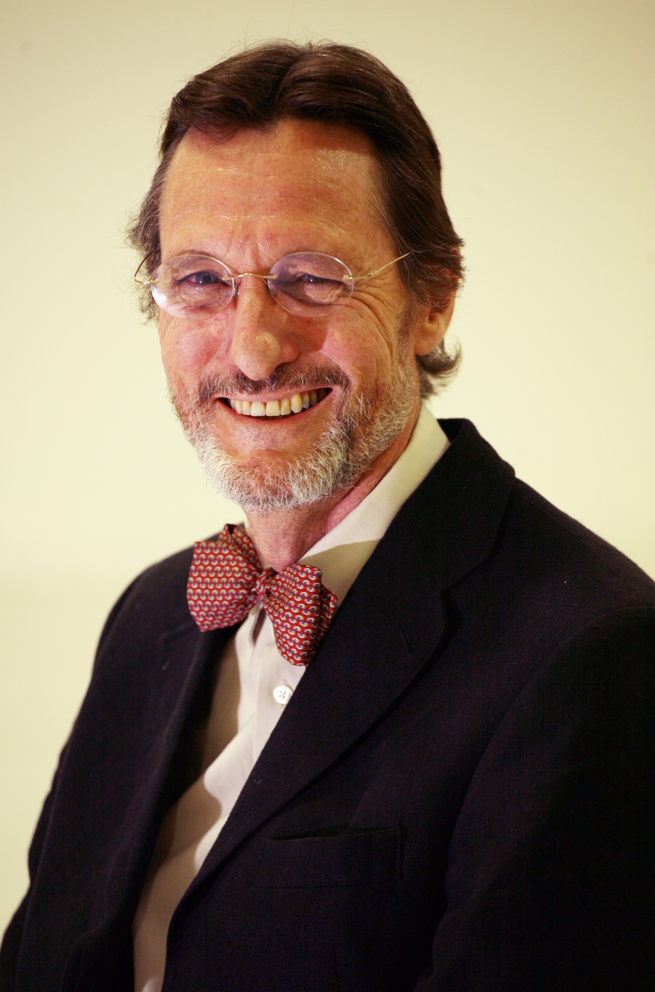 Dr Anthony McLean