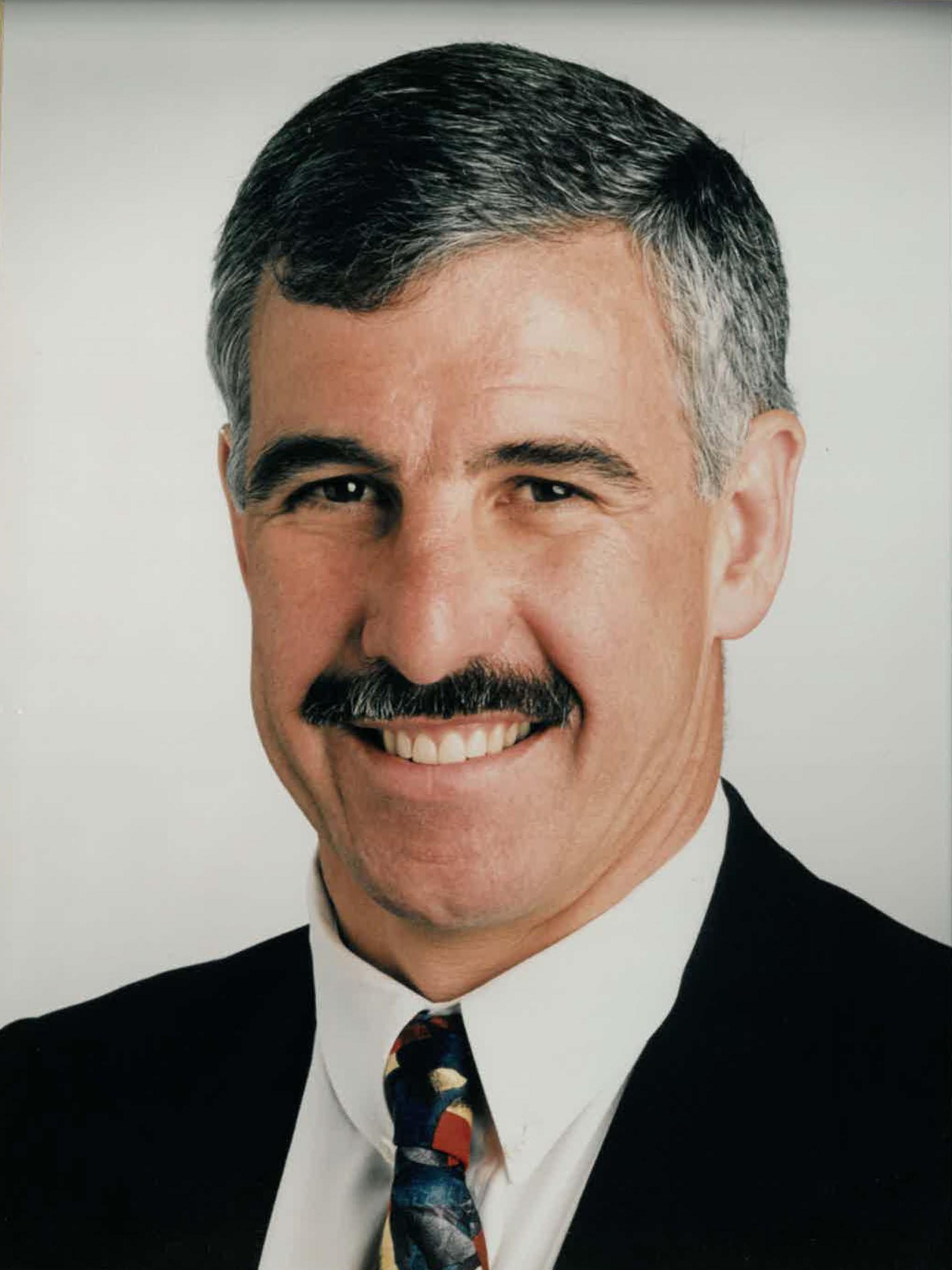 Dr David V. Tuxen