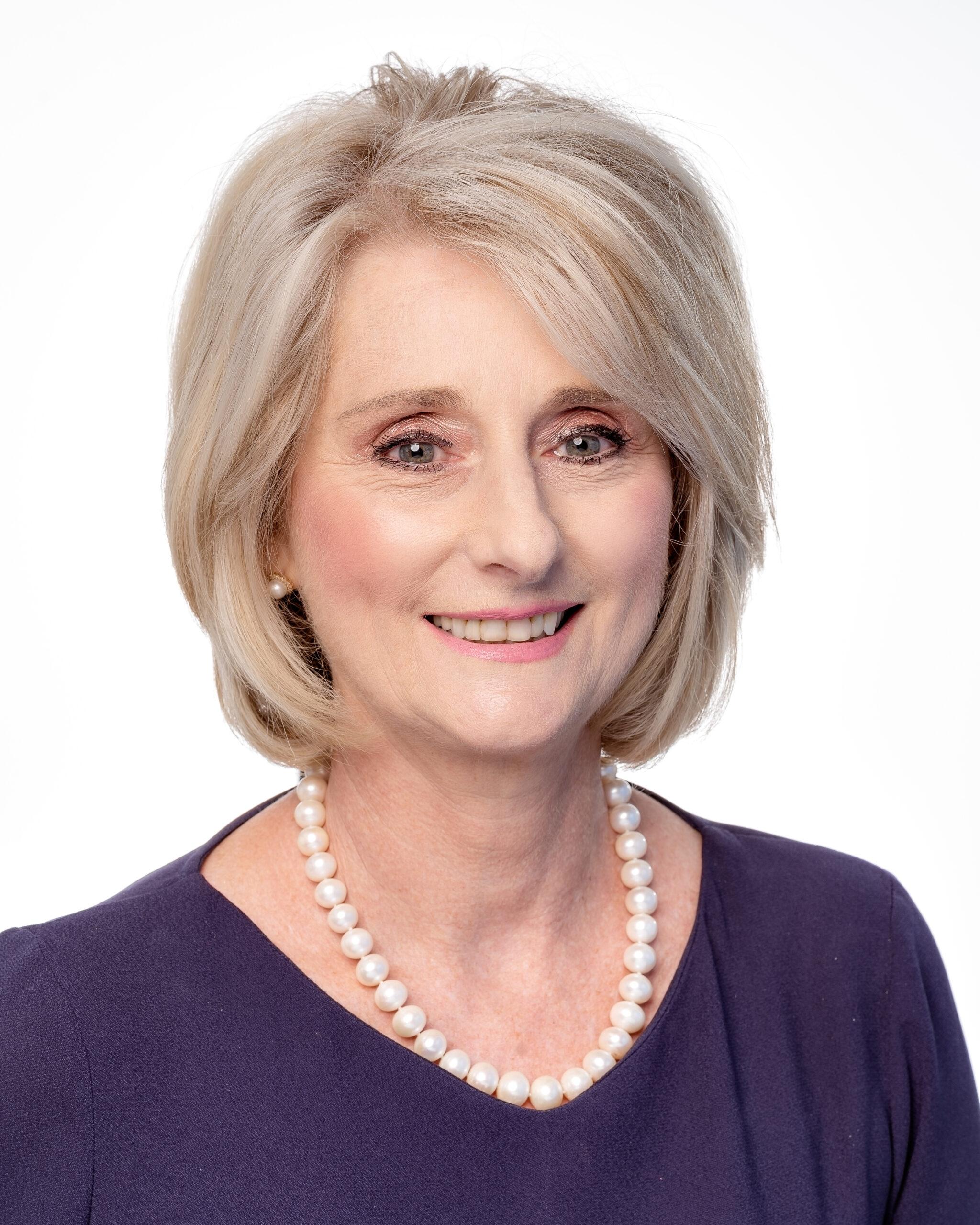 Dr Sandra Peake